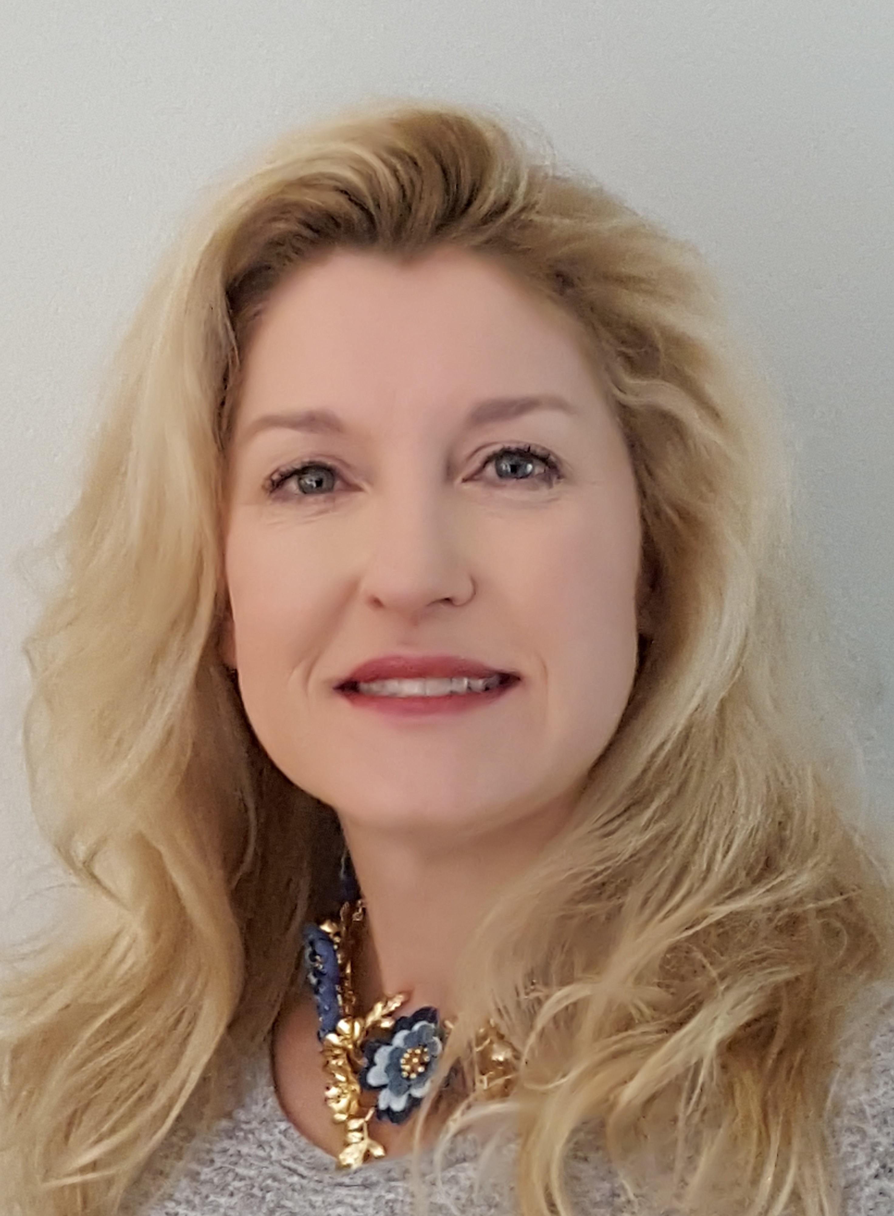 Julie Kenar
