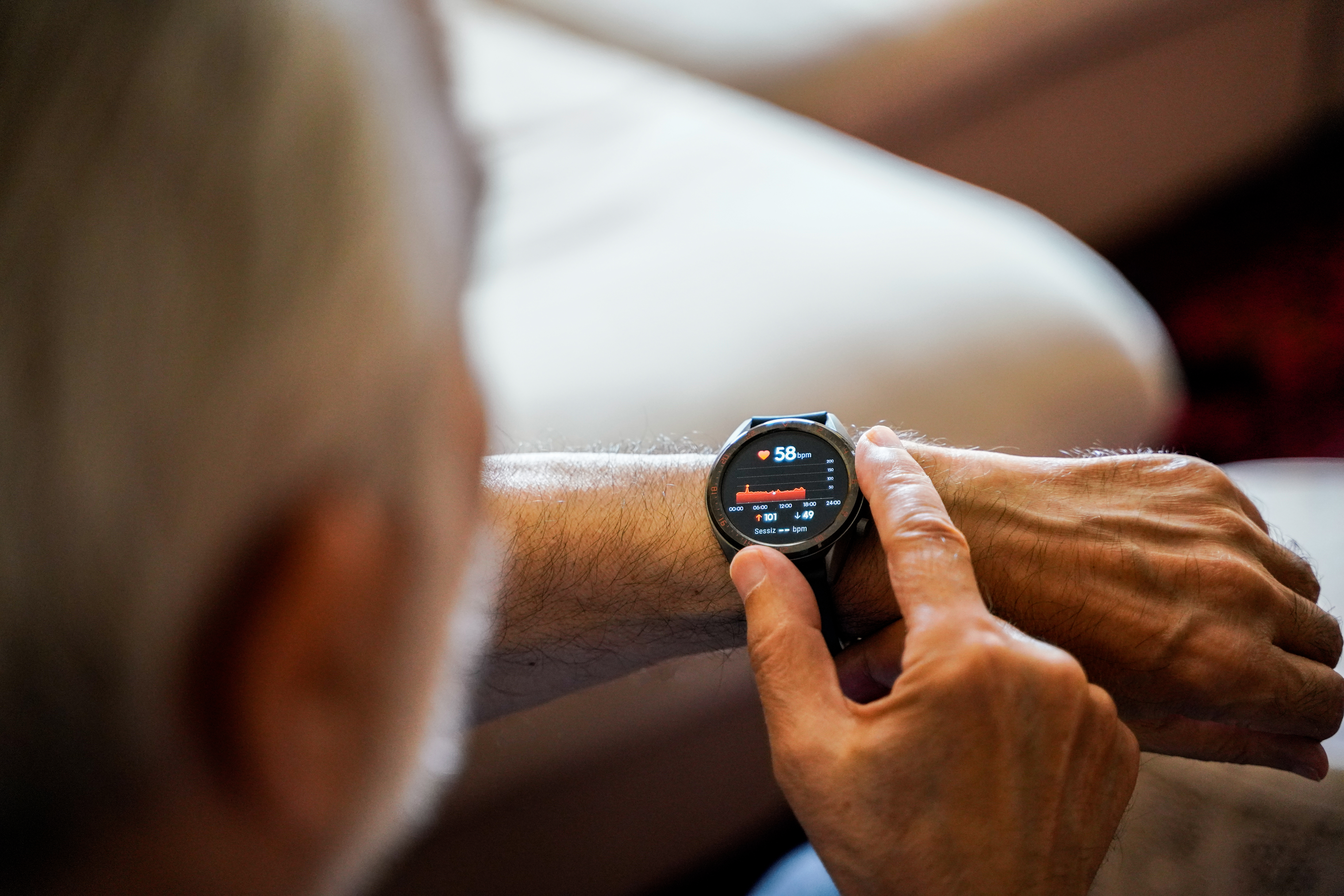 wearable tech devices smart watch and smartphone